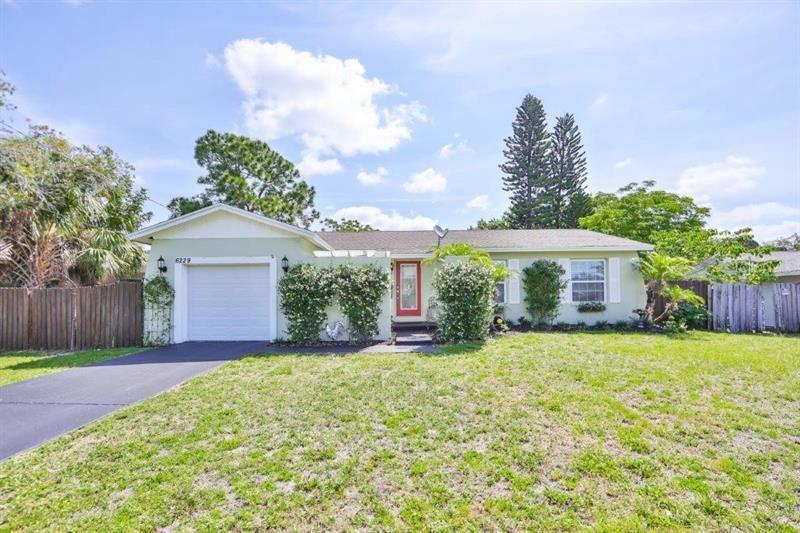 6229 FLORIDA CIRCLE W, Apollo Beach, FL 33572 - MLS#: T3303874