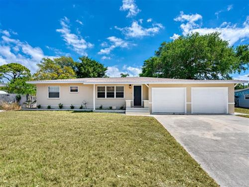 Photo of 717 NOKOMIS AVENUE S, VENICE, FL 34285 (MLS # N6109875)