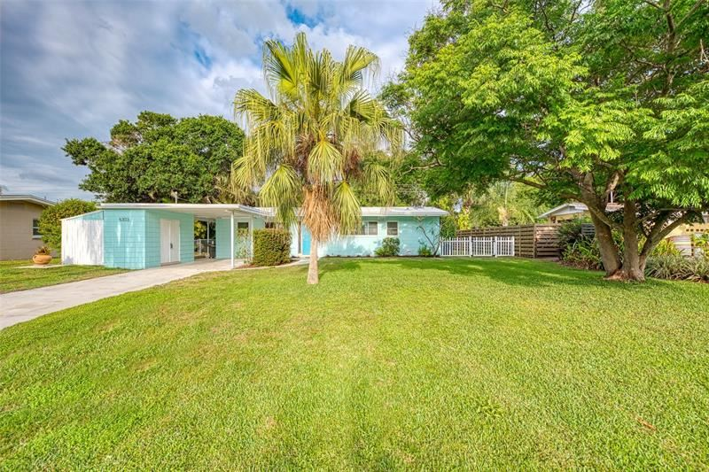 Photo of 6303 OLIVE AVENUE, SARASOTA, FL 34231 (MLS # N6114876)