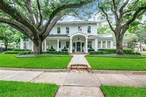 Photo of 3401 W MULLEN AVENUE, TAMPA, FL 33609 (MLS # T3187884)