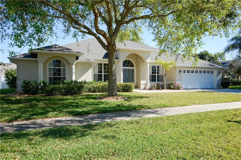 Photo of 963 GEORGETOWN AVENUE, CLERMONT, FL 34711 (MLS # O5846885)