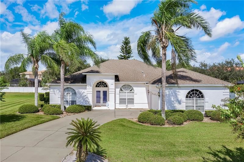 Photo for 2027 HARBOR COVE WAY, WINTER GARDEN, FL 34787 (MLS # O5819890)