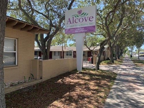 Photo of 2801 4TH STREET N, ST PETERSBURG, FL 33704 (MLS # U8092893)
