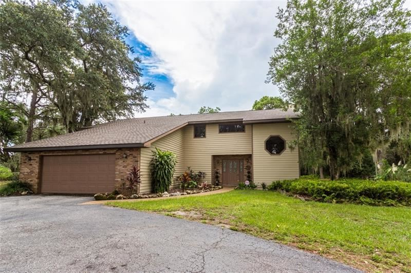 Photo of 6824 36TH AVENUE E, BRADENTON, FL 34208 (MLS # A4477896)