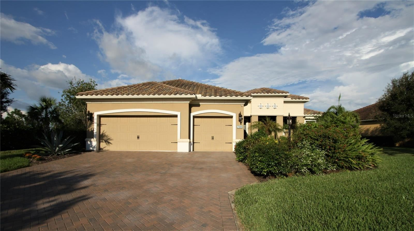 Photo of 27400 HOLE IN ONE PLACE, ENGLEWOOD, FL 34223 (MLS # A4514904)