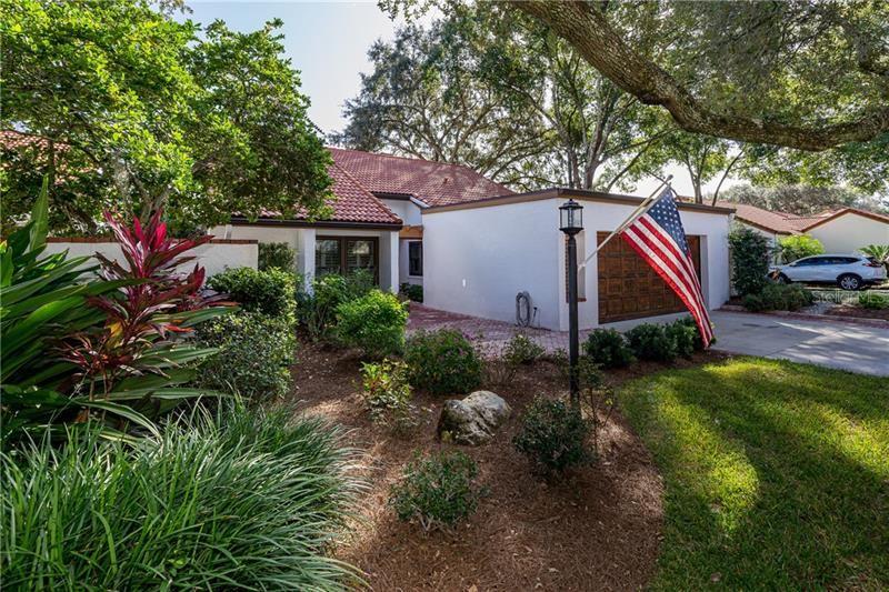 11501 ROBLES DEL RIO PLACE, Temple Terrace, FL 33617 - MLS#: T3274905