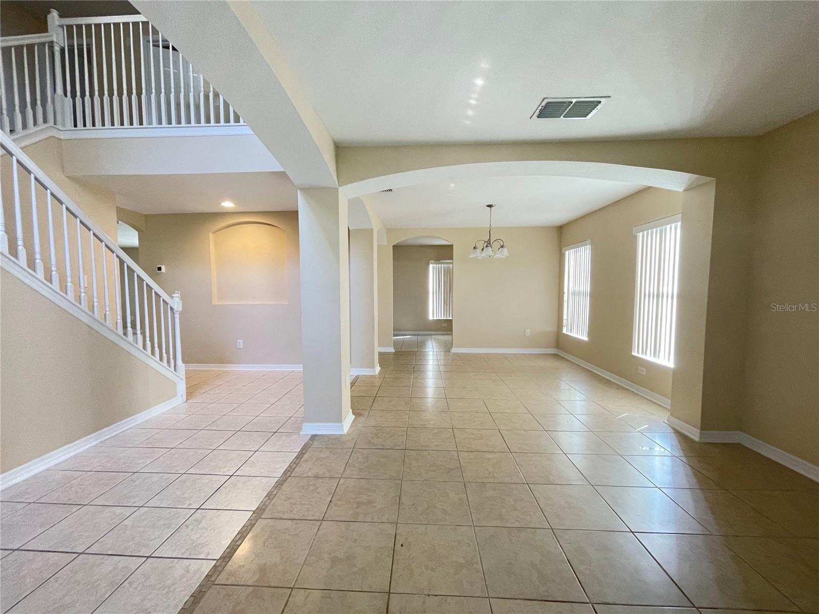 Photo of 642 CHADBURY WAY, KISSIMMEE, FL 34744 (MLS # S5056908)