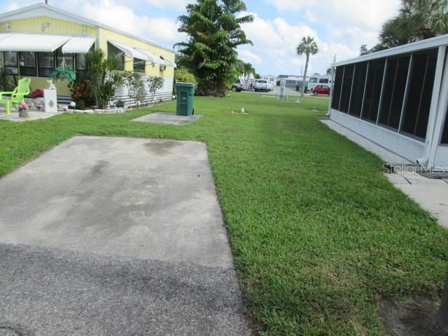 Photo of 35 MONTEGO DRIVE, PALMETTO, FL 34221 (MLS # A4499914)