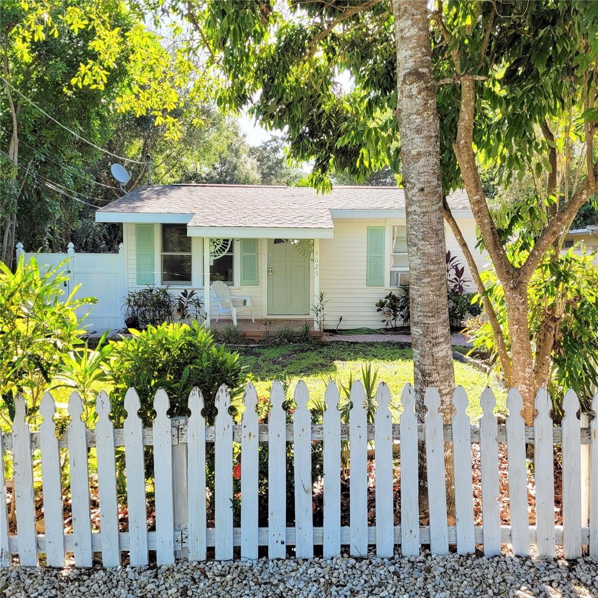 Photo of 4625 SLOAN AVENUE, SARASOTA, FL 34233 (MLS # A4509915)