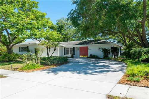 Photo of 2902 MAYFLOWER STREET, SARASOTA, FL 34231 (MLS # A4464917)