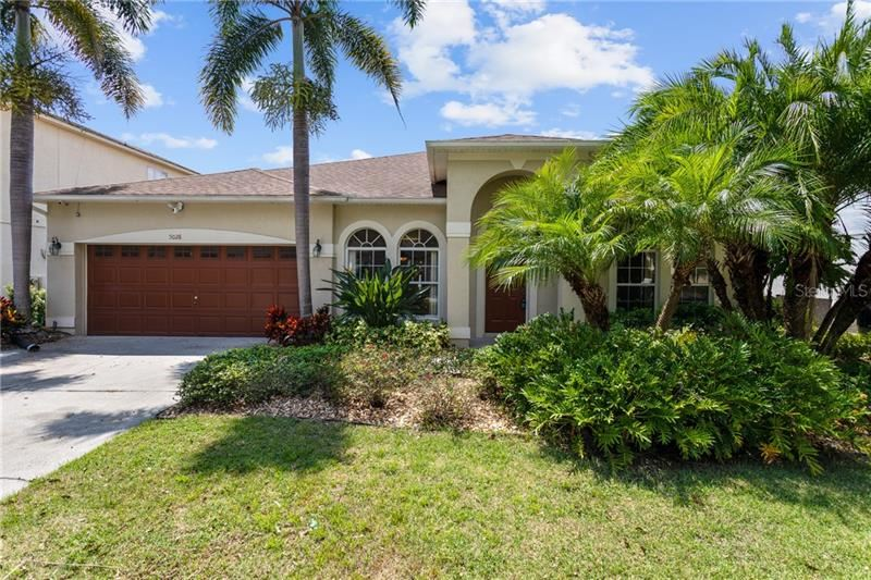 Photo for 5028 BOATHOUSE DRIVE, ORLANDO, FL 32812 (MLS # O5810918)