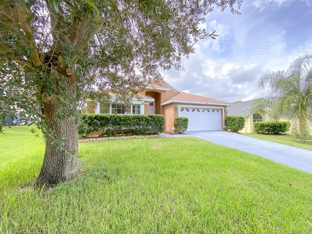 Photo of 2845 MAYFLOWER LOOP, CLERMONT, FL 34714 (MLS # O5974921)