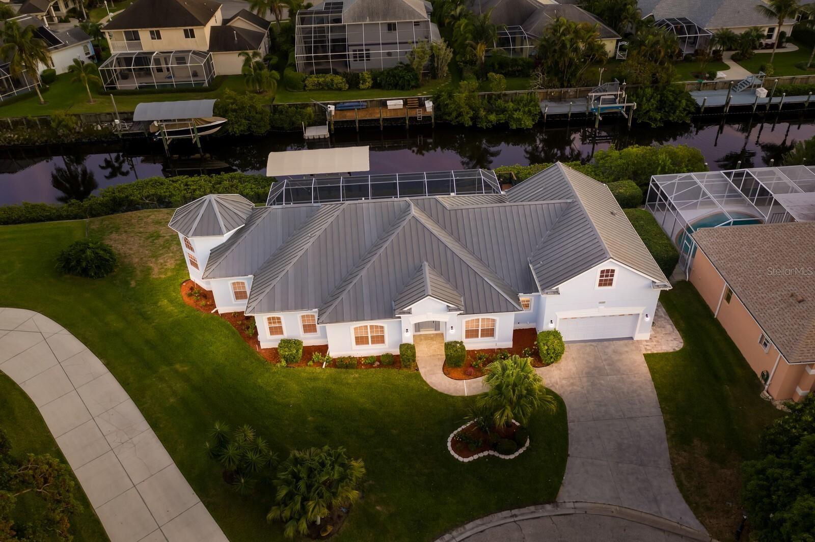 Photo of 4620 4TH AVENUE NE, BRADENTON, FL 34208 (MLS # U8134924)