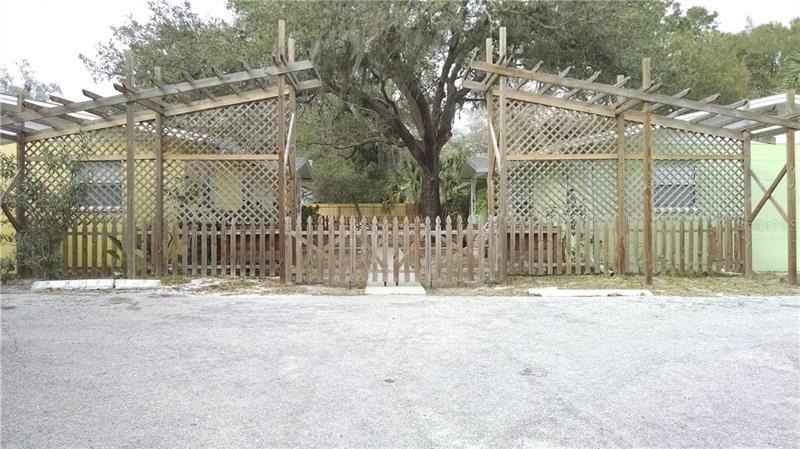 Photo of SARASOTA, FL 34236 (MLS # A4477935)