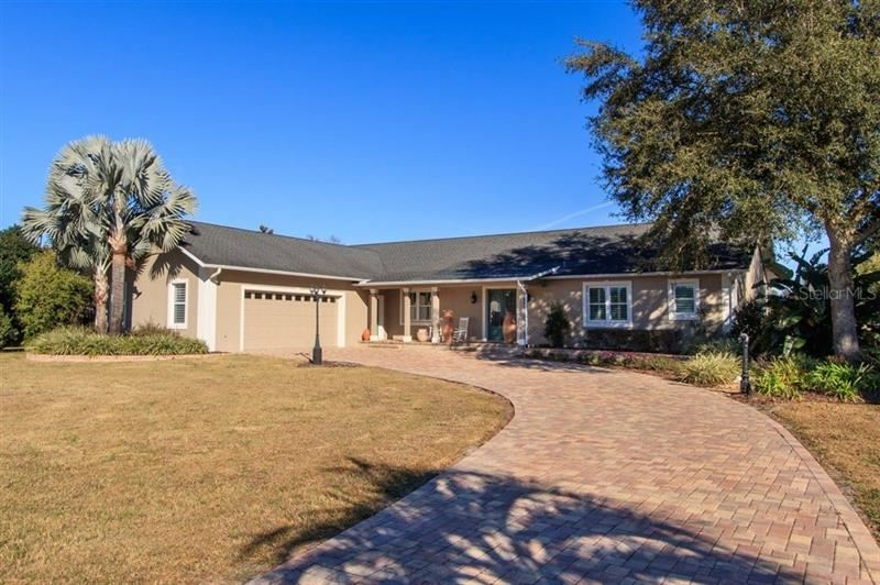 Photo for 2802 COUNTY ROAD 202, OXFORD, FL 34484 (MLS # G5035935)