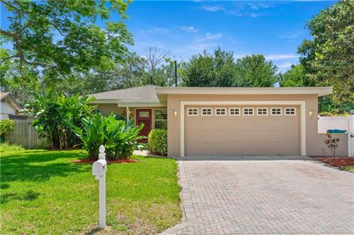 Photo of 10450 KUMQUAT LANE, SEMINOLE, FL 33772 (MLS # U8118941)