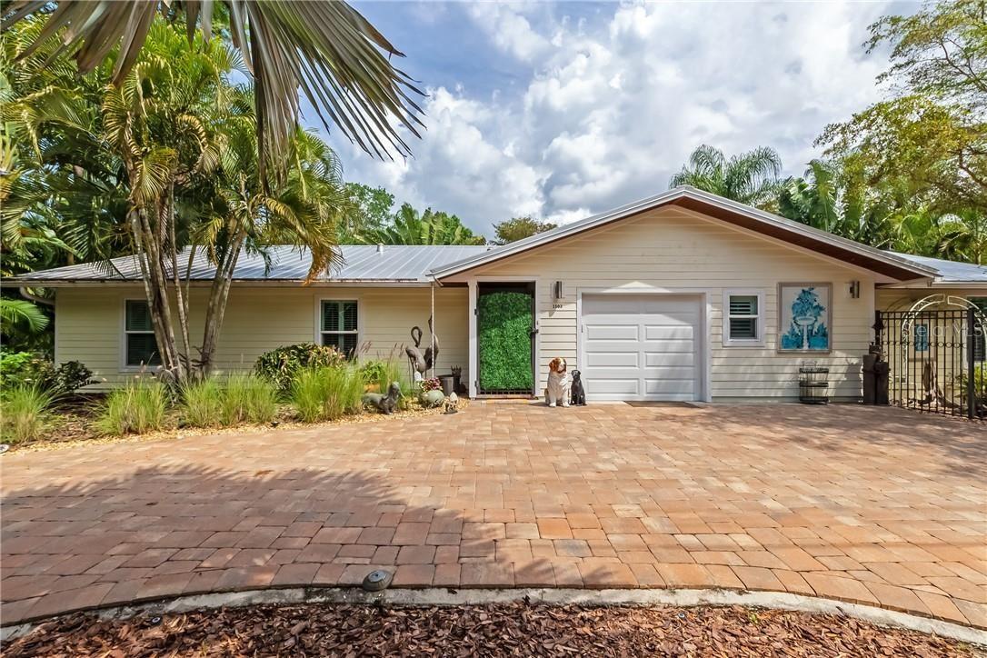1503 E BAY ROAD W, Sarasota, FL 34239 - #: O5922942