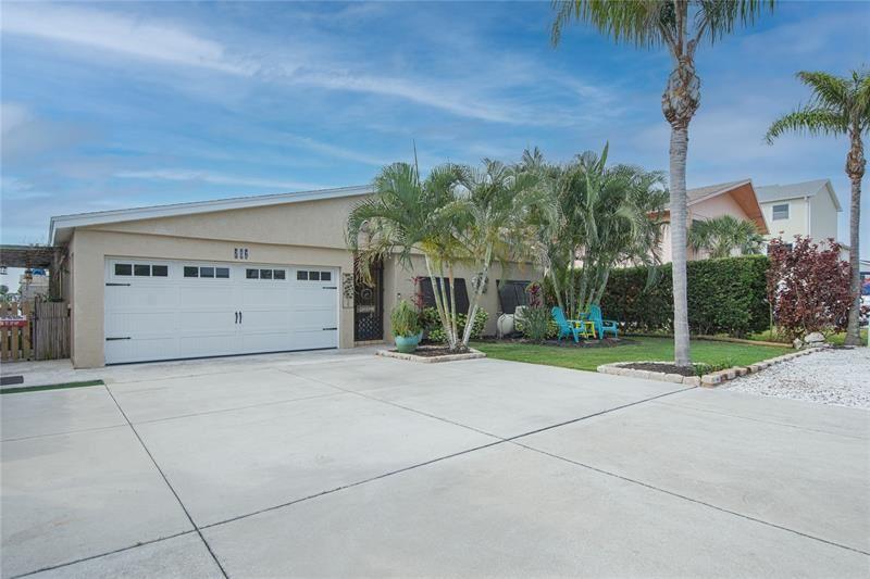 207 176TH AVENUE E, Redington Shores, FL 33708 - #: U8122944