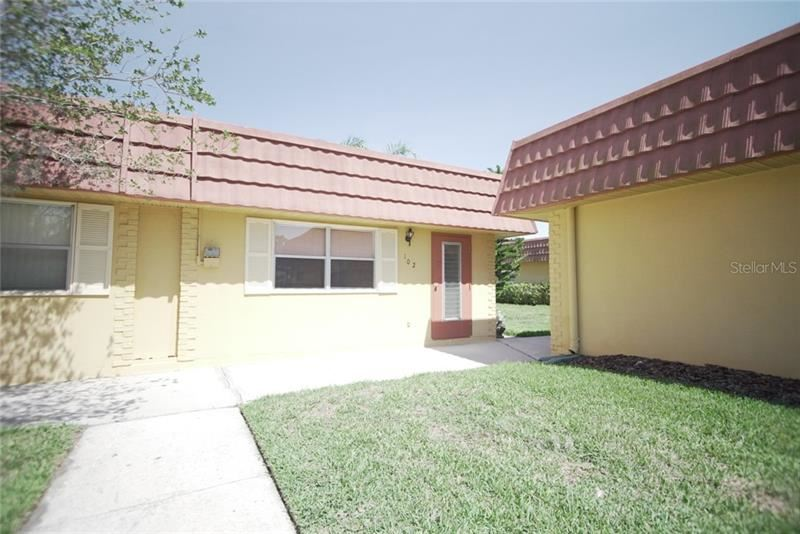 202 E BEDFORD TRAIL #102, Sun City Center, FL 33573 - #: T3239947
