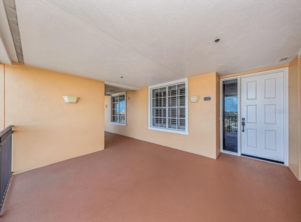 Photo of 147 TAMPA AVENUE E #702, VENICE, FL 34285 (MLS # N6116949)