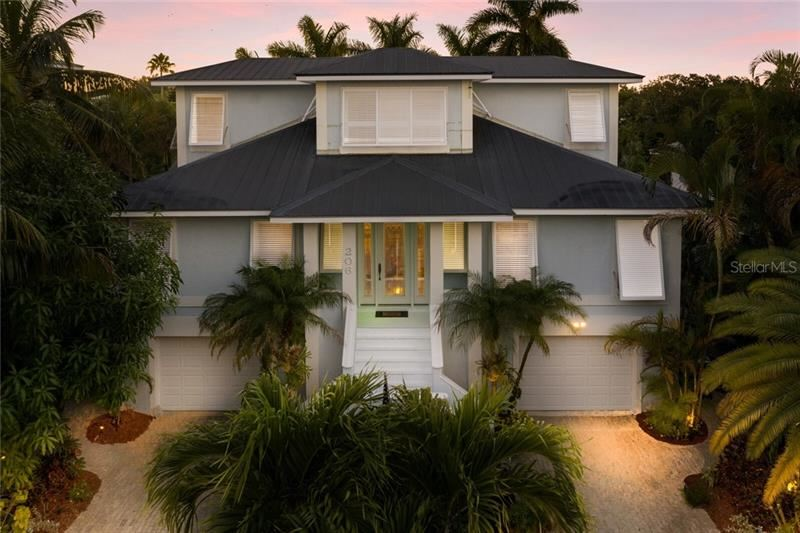 Photo for 206 OAK AVENUE, ANNA MARIA, FL 34216 (MLS # A4485952)