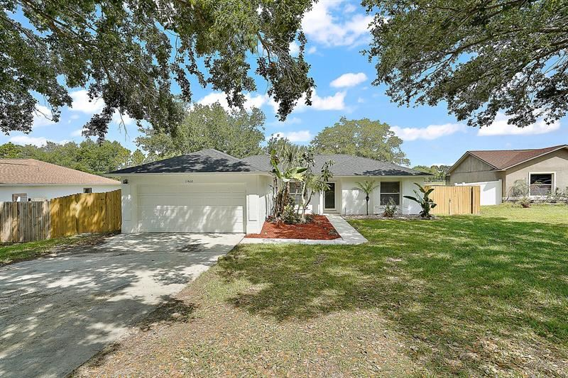 11460 CRESCENT PINES BOULEVARD, Clermont, FL 34711 - MLS#: G5040954