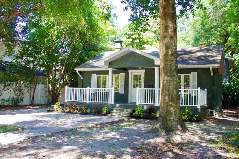 Photo of 841 ALTALOMA AVENUE, ORLANDO, FL 32803 (MLS # O5942957)