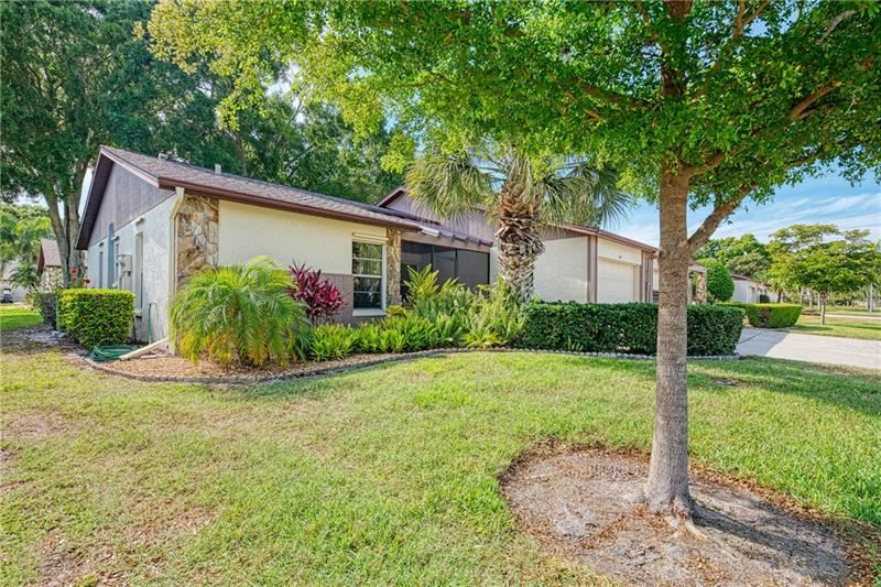 Photo of 611 DEERWOOD AVENUE, ENGLEWOOD, FL 34223 (MLS # D6111958)