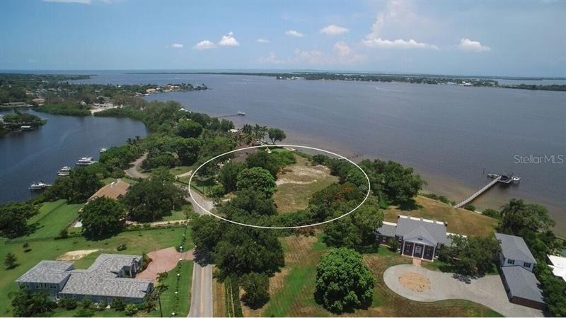 Photo of 5208 RIVERVIEW BOULEVARD, BRADENTON, FL 34209 (MLS # A4158961)