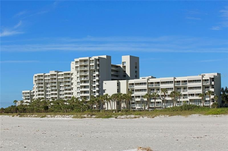 Photo of 210 SANDS POINT ROAD #2807, LONGBOAT KEY, FL 34228 (MLS # A4470962)
