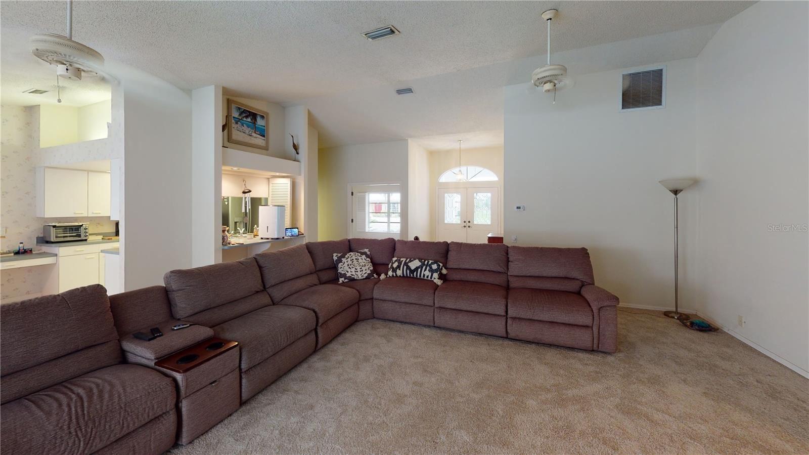 Photo of 1031 BECKLEY CIRCLE, VENICE, FL 34292 (MLS # A4510962)