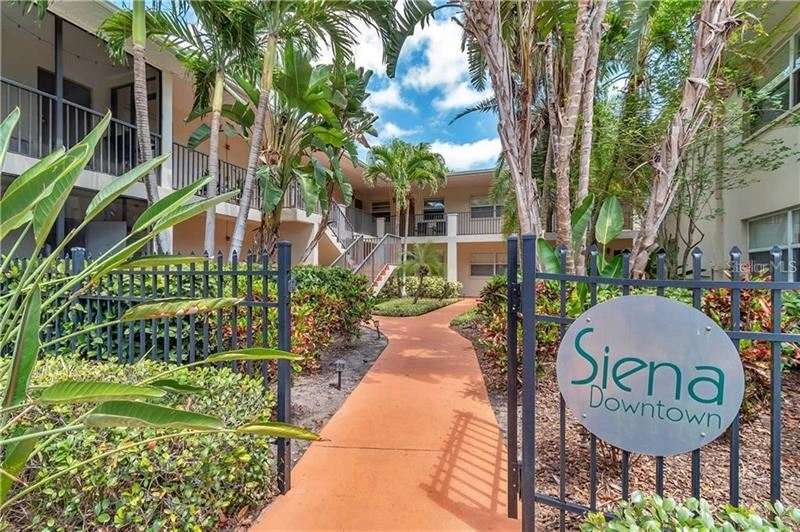 224 6TH AVENUE N #1, Saint Petersburg, FL 33701 - #: U8081963