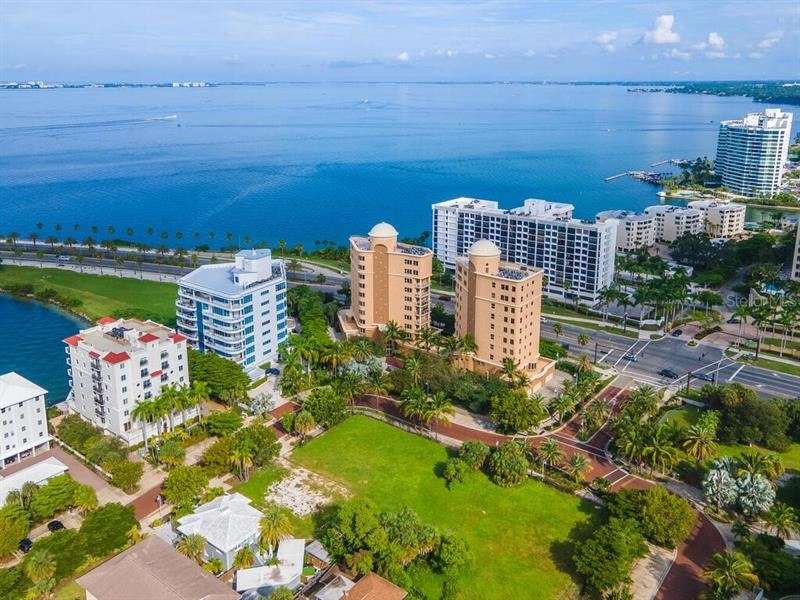Photo of 128 GOLDEN GATE POINT #901-1001, SARASOTA, FL 34236 (MLS # A4477975)