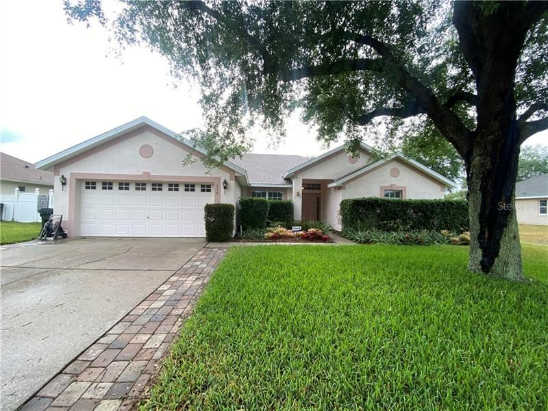 Photo of 112 PACIFIC AVENUE, CLERMONT, FL 34711 (MLS # G5040976)