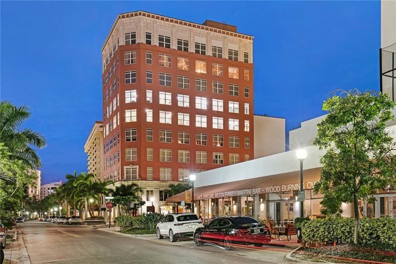 Photo of 1330 MAIN STREET #6, SARASOTA, FL 34236 (MLS # A4416978)