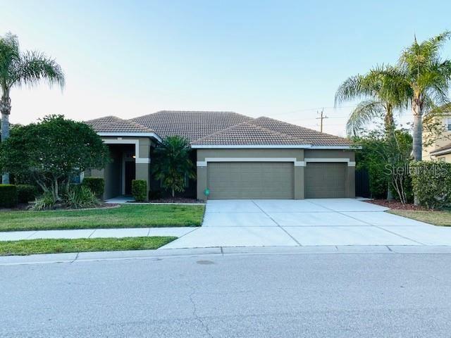 1118 FRASER PINE BOULEVARD, Sarasota, FL 34240 - #: L4921978