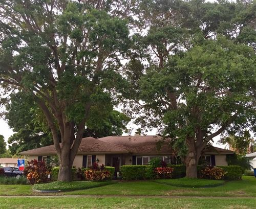 Photo of 1712 ALGONQUIN DRIVE, CLEARWATER, FL 33755 (MLS # P4915979)