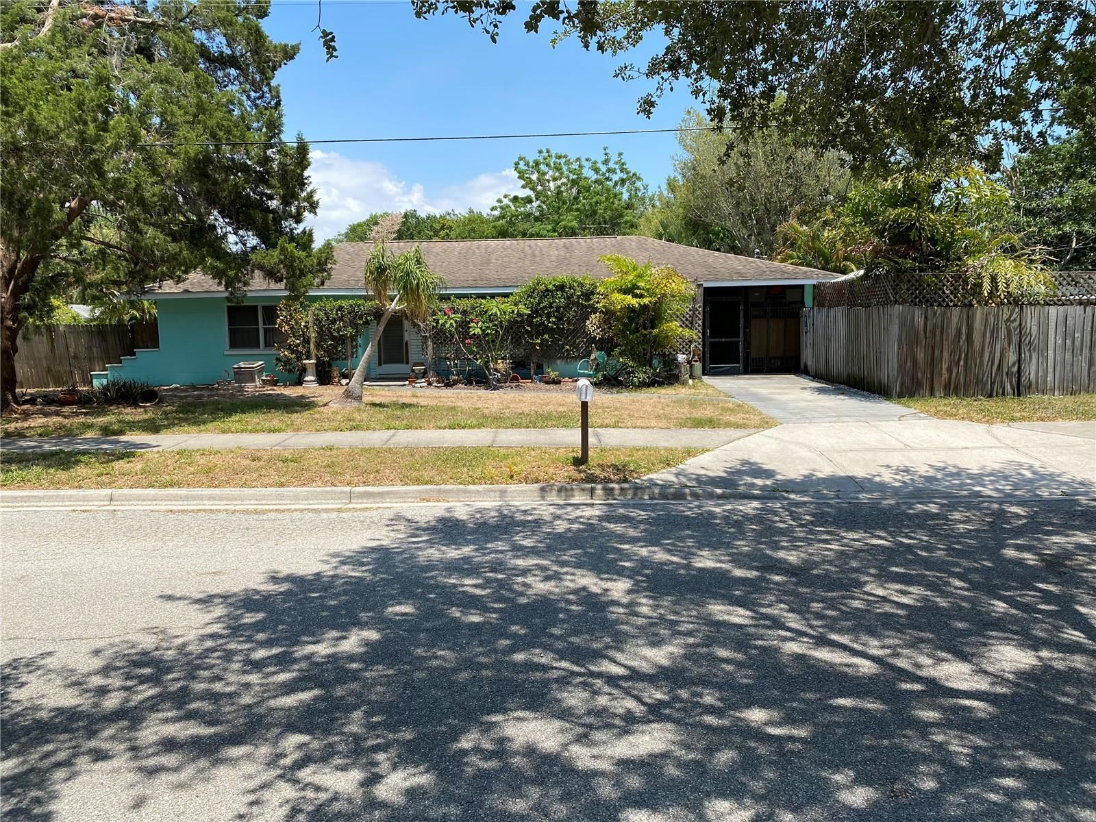 2611 S EAST AVENUE, Sarasota, FL 34239 - MLS#: U8125982