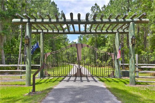 Tiny photo for 15305 NW HWY 320, MICANOPY, FL 32667 (MLS # OM619987)