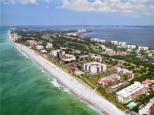 Photo of 1975 GULF OF MEXICO DRIVE #209, LONGBOAT KEY, FL 34228 (MLS # A4450988)