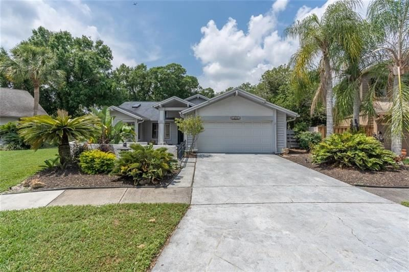 14663 VILLAGE GLEN CIRCLE, Tampa, FL 33618 - #: T3301989