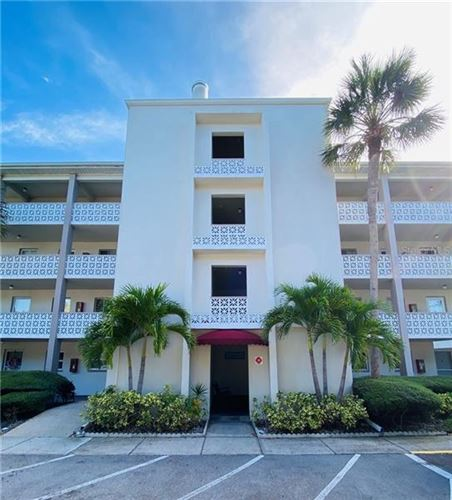 Photo of 1524 LAKEVIEW ROAD #203, CLEARWATER, FL 33756 (MLS # U8105992)