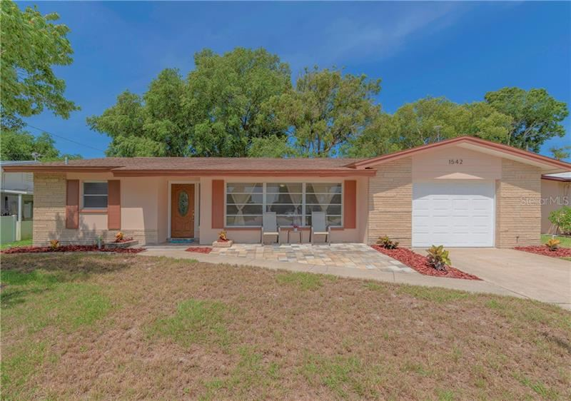 1542 S LAKE AVENUE, Clearwater, FL 33756 - #: U8083997