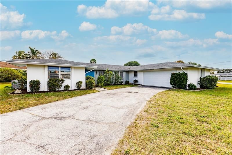 Photo of 117 EASTON DRIVE NW, PORT CHARLOTTE, FL 33952 (MLS # C7436998)