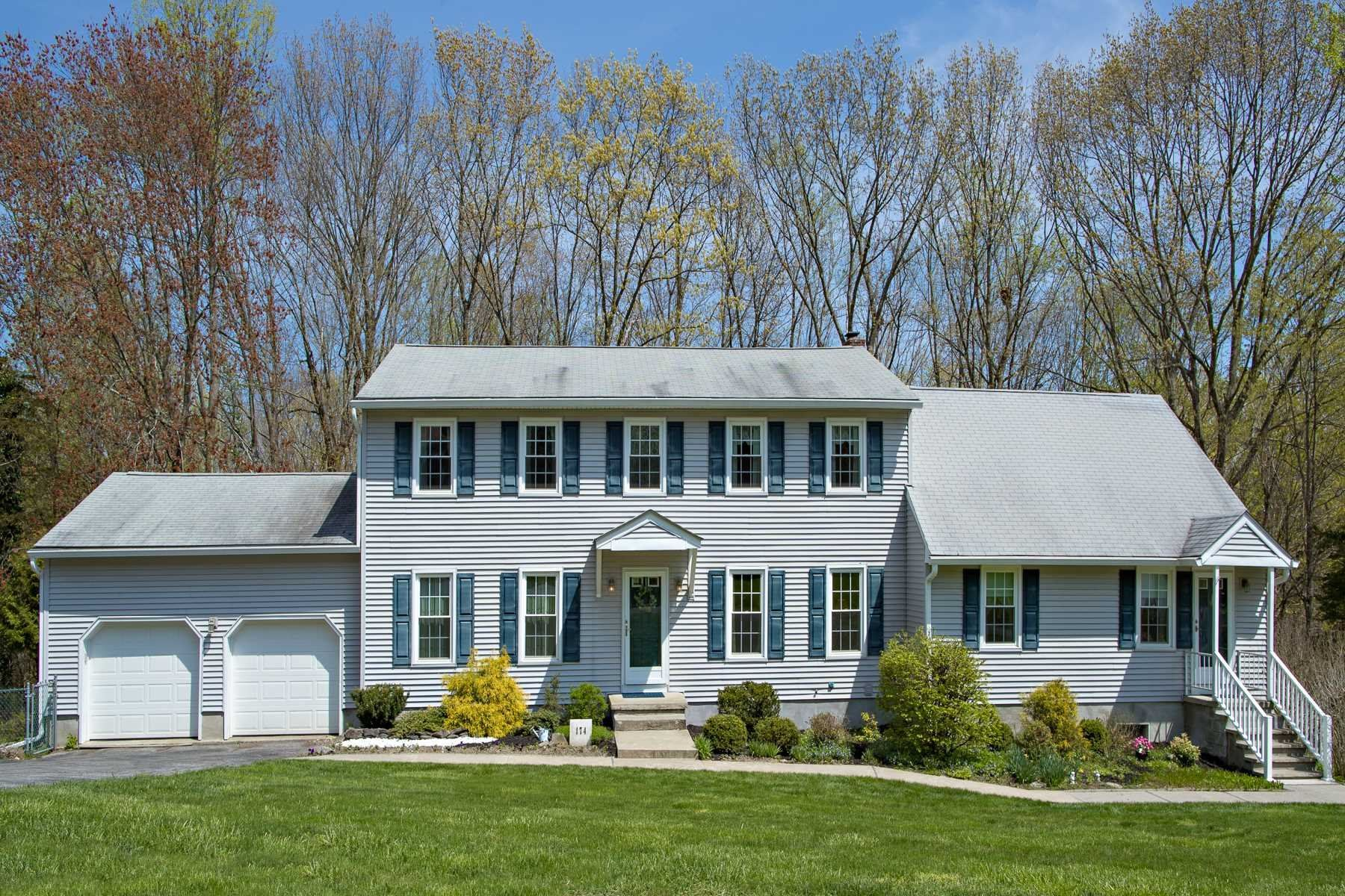 174 FOREST VALLEY RD, Pleasant Valley, NY 12569 - #: 400042