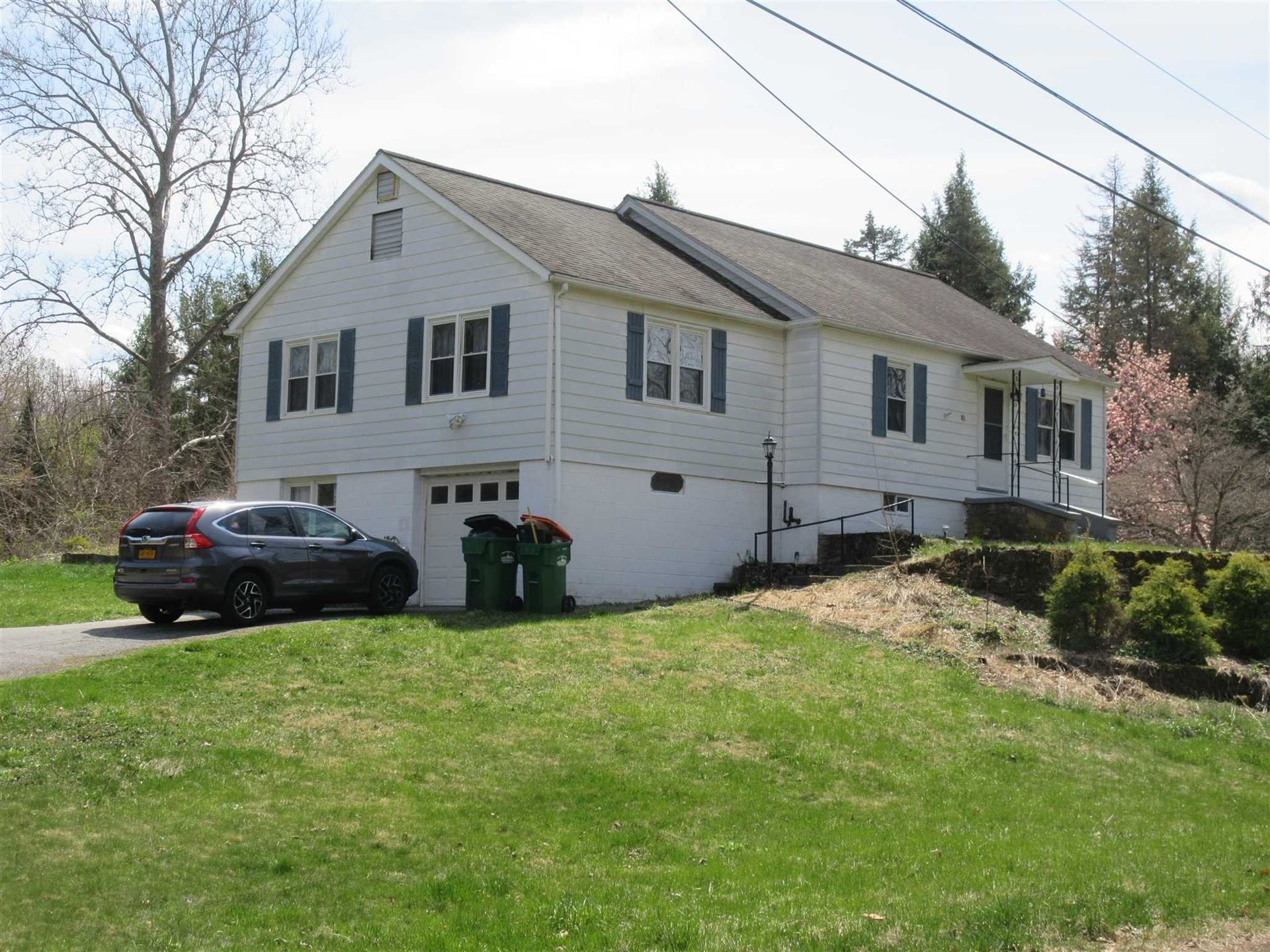 81 MOUNTAINVIEW RD, Fishkill, NY 12524 - #: 399717