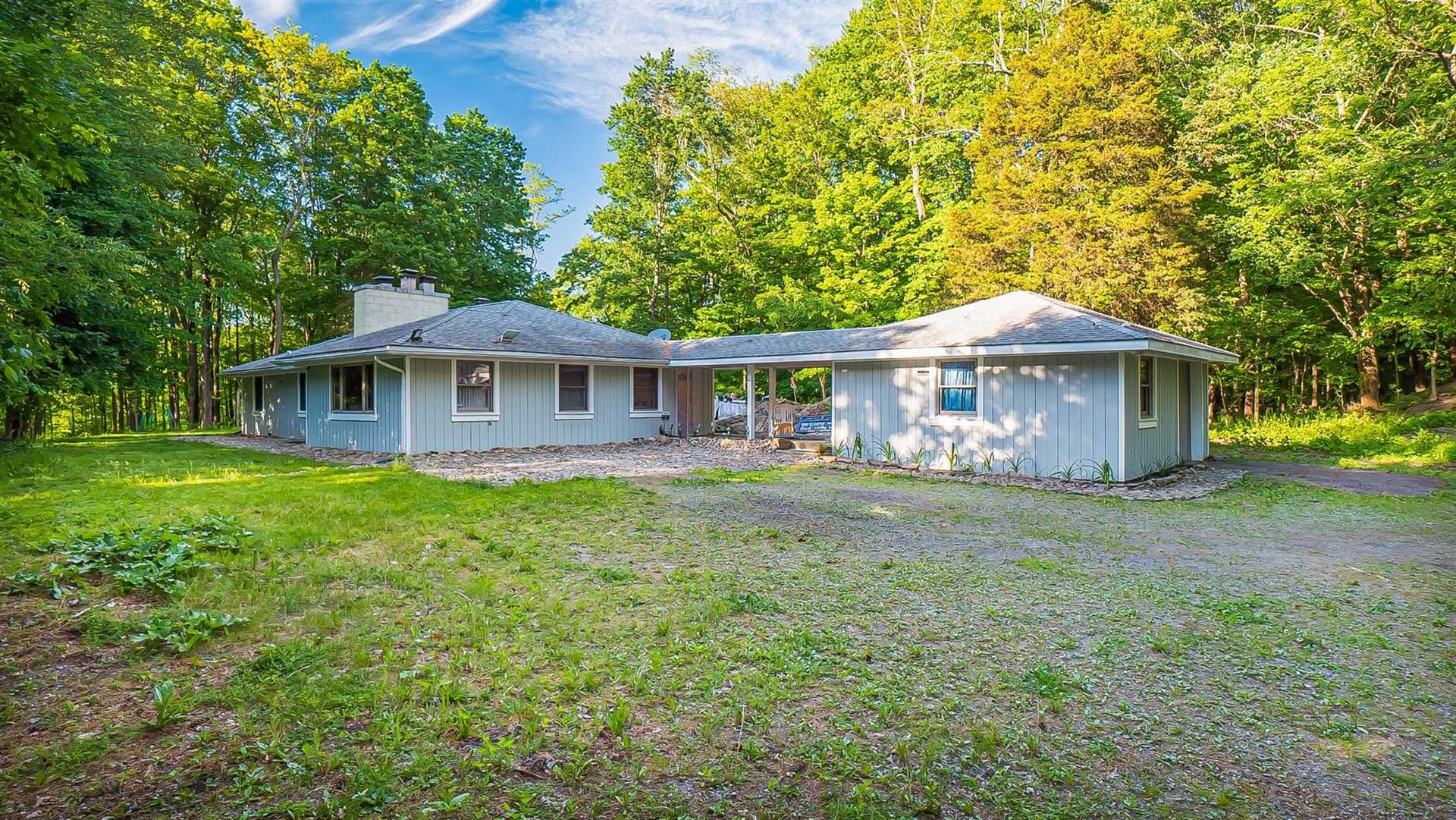 86 PARKSVILLE RD, Pleasant Valley, NY 12569 - #: 400983