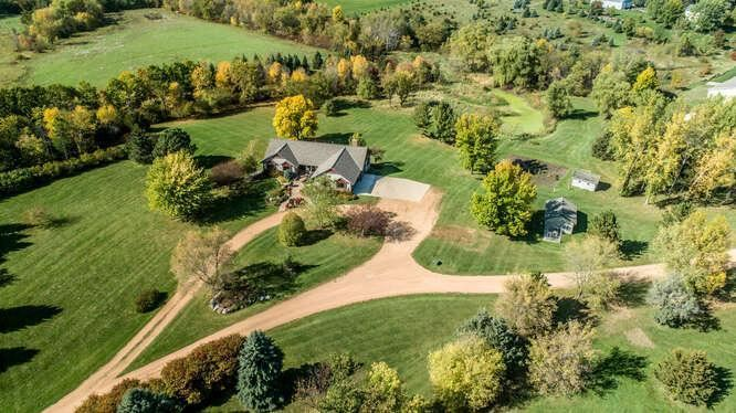 Photo of 4910 Hickory Hills Trail, Prior Lake, MN 55372 (MLS # 6114006)