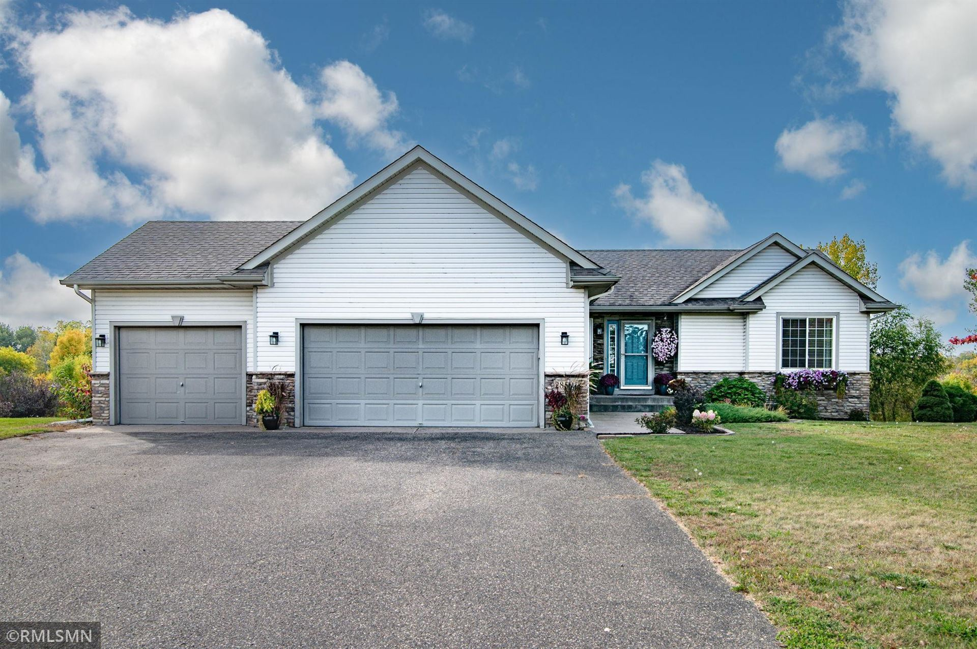 Photo of 28506 Lakeside Trail, Lindstrom, MN 55045 (MLS # 6105023)