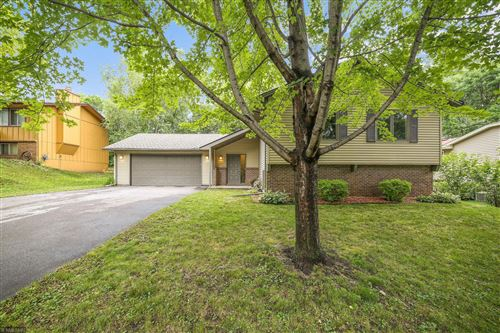 Photo of 11220 Red Fox Drive, Maple Grove, MN 55369 (MLS # 5617024)